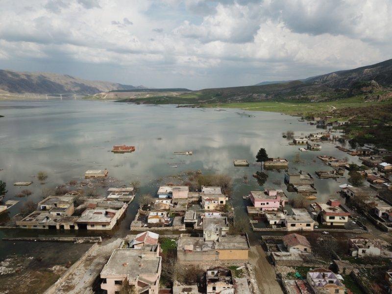 Města musela ustoupit přehradě na řece Tigris