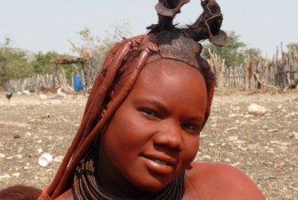 Namibie: žena kmene Himba – Oryx – Lev – NP Etosha