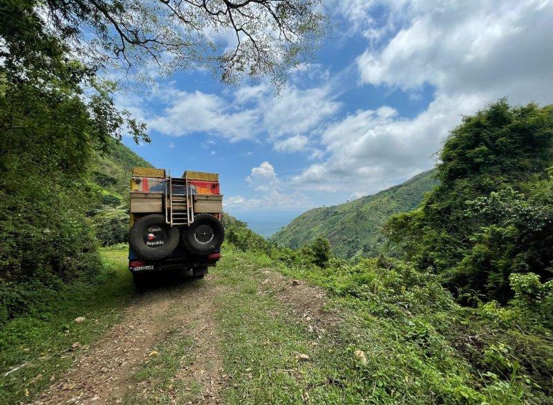 V zajetí džungle v ugandském průsmyku