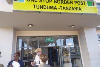 Přechod přes hranice z Tananie do Zambie trval kolem pěti hodin.