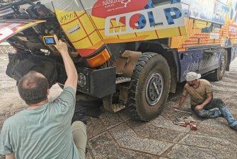 Měření pomocí měřáků od GHV Trading – Oprava rozvodů vody – Na palubě nechybí nářadí Bosch