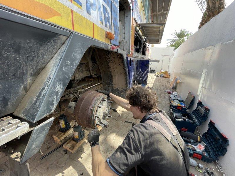 Marek Pecha byl jedním z lidí, který se podílel na přípravě vozu již před startem výpravy.