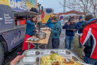 Hraniční přechod Türgözü-Vale   Traja-polní kuchyně v akci