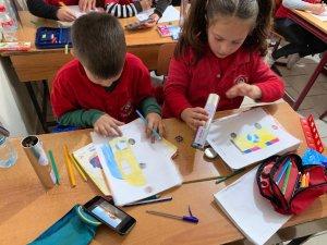 Sázení druhého památečního stromu a návštěva školy v albánském Lalm